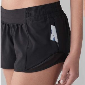 Lululemon Hotty Hot Short II Black Running Shorts